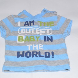 'I am the cutest baby in the world' t-shirt early baby
