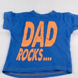 Dad rocks but mum rules  t-shirt 2-3 years