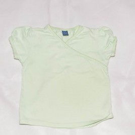 Light green t-shirt 2-3 years