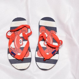 Red crab flip flop sandals size 10/11
