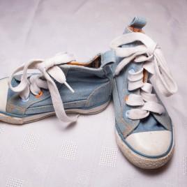 Blue baseball boots size 7