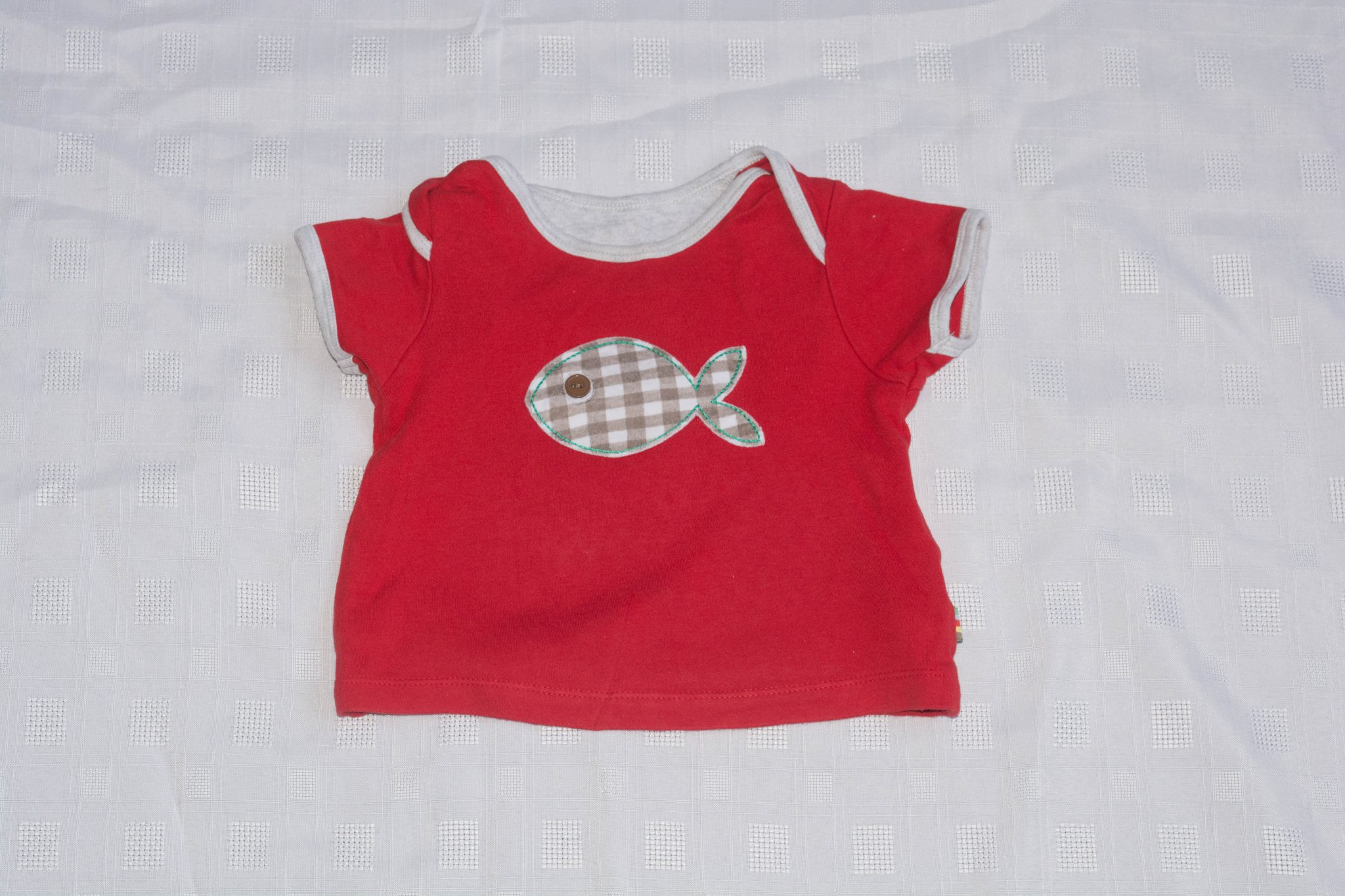 Red fish t shirt 6 9 months aylsham kids for Fishing shirt of the month