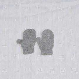 Grey mittens 6-12 months