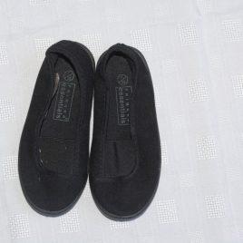 Black plimsoles size 7