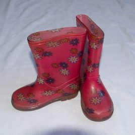 Pink flowers welly boots size 7