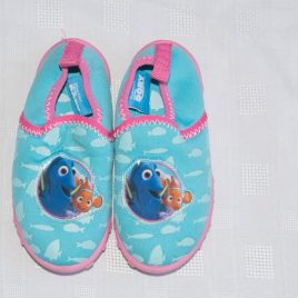 Disney Finding Dory water shoes size 7