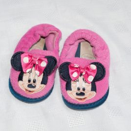 Disney store Mini Mouse slippers size 4