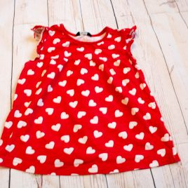 Red with white hearts t-shirt 3-4 Years