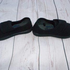 Black Plimsolls size 7