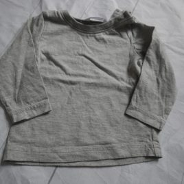 Grey M&Co top 6-9 months